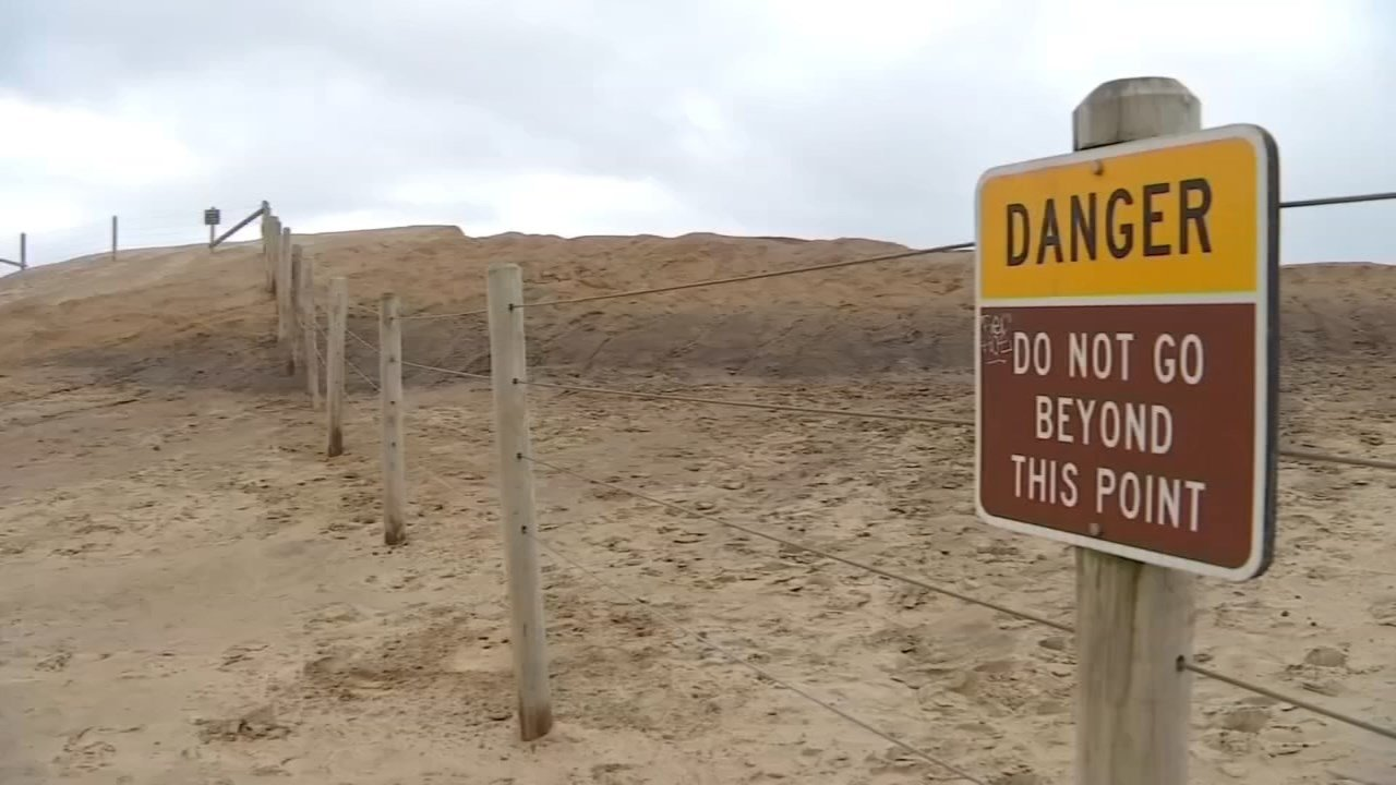Warning sign at Cape Kiwanda (FOX 12 file image)