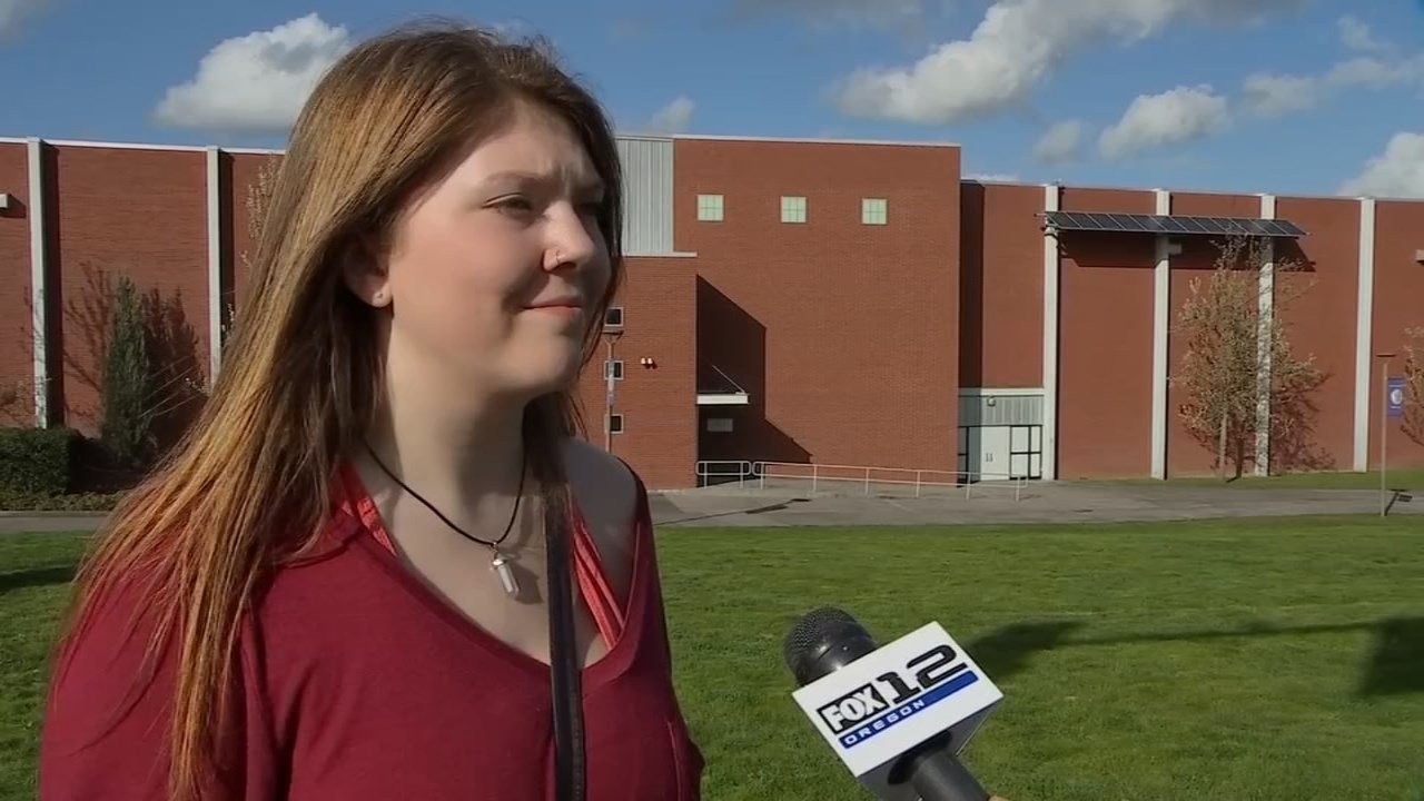 Columbia River High School senior Ayla Stoops, who was followed by Pini Nou. (KPTV)