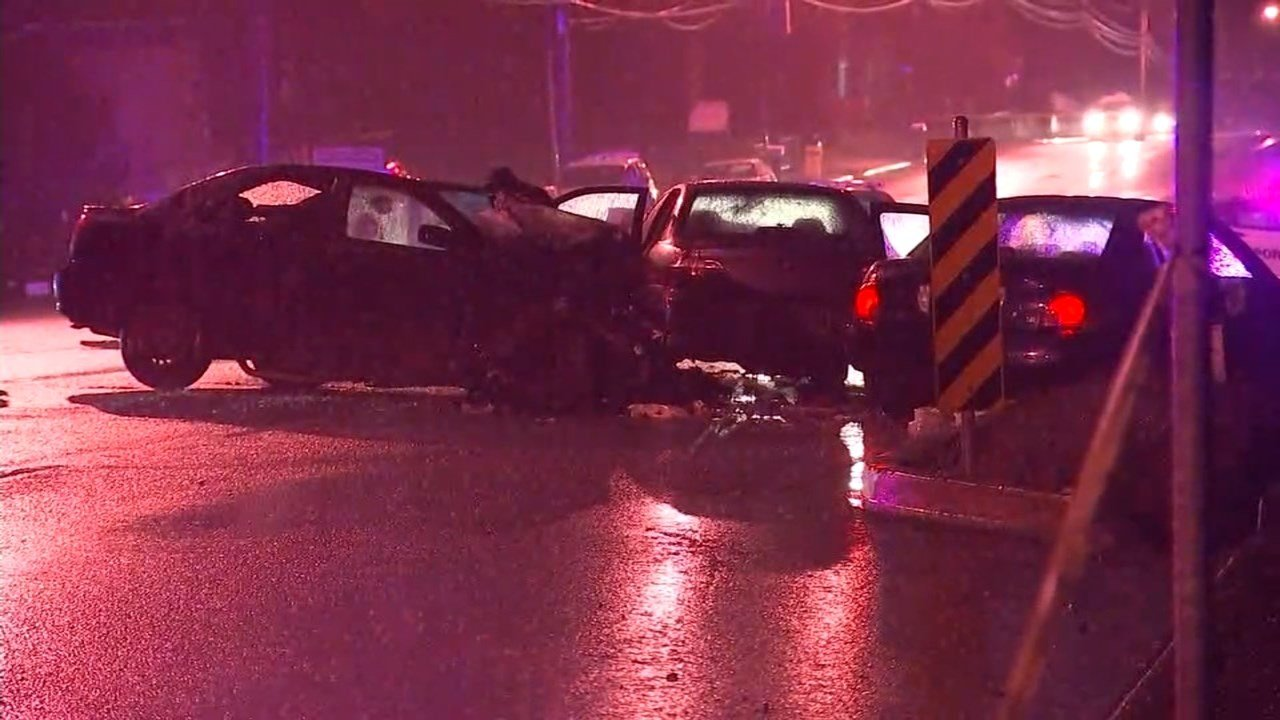Four people were injured in a three-car crash in NE Portland on Sunday evening.