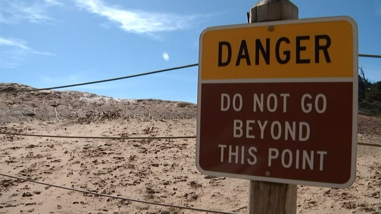 Saying that the existing cable barricades and signs are not effective, residents at a town hall Thursday suggested patrols better fencing or bigger signs as solutions to the danger near the coast at Cape Kiwanda. (KPTV)