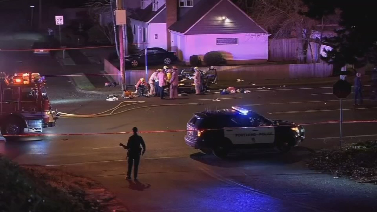 Deadly crash scene at NE 157th and Halsey the morning of Feb. 13. (FOX 12 file image)