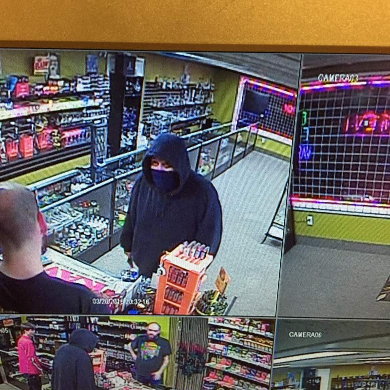 Surveillance image of armed robber at One Stop Smoke Shop (Photo: Keizer PD)