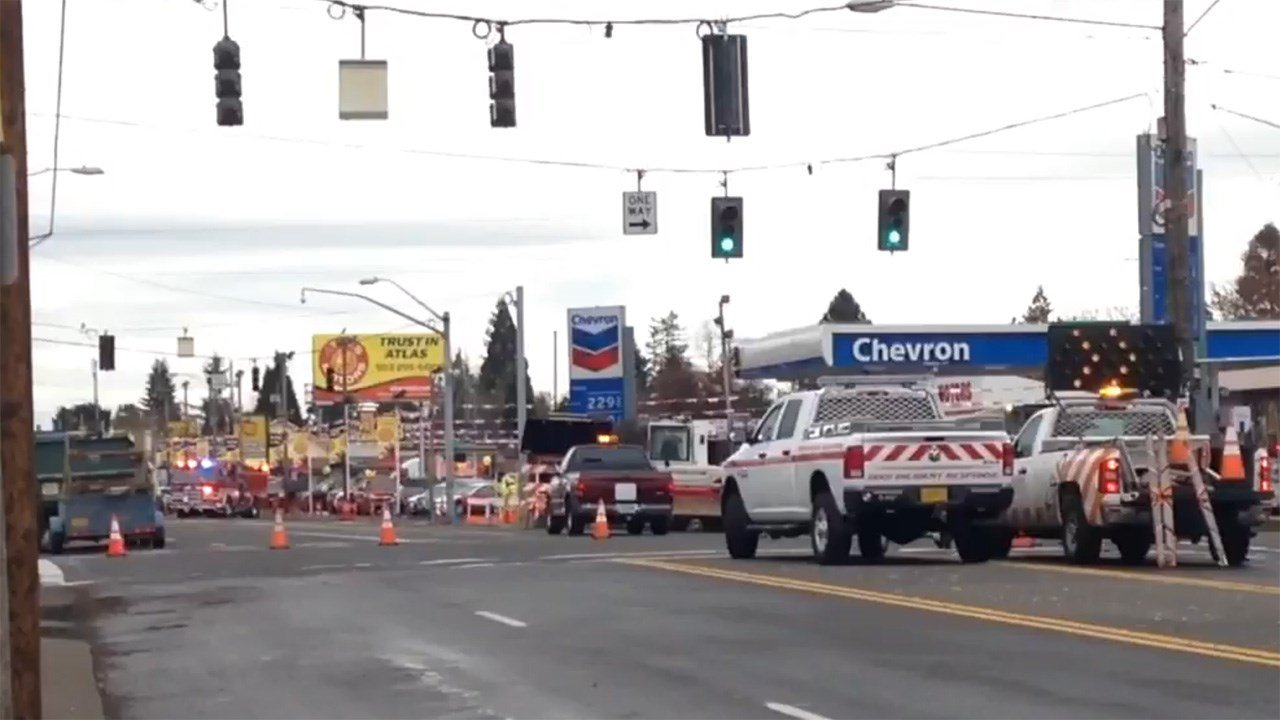 ODOT crews shut down part of SE 82nd Ave after a gas line was ruptured, blocking traffic in both directions. (Kelsey Watts/KPTV)