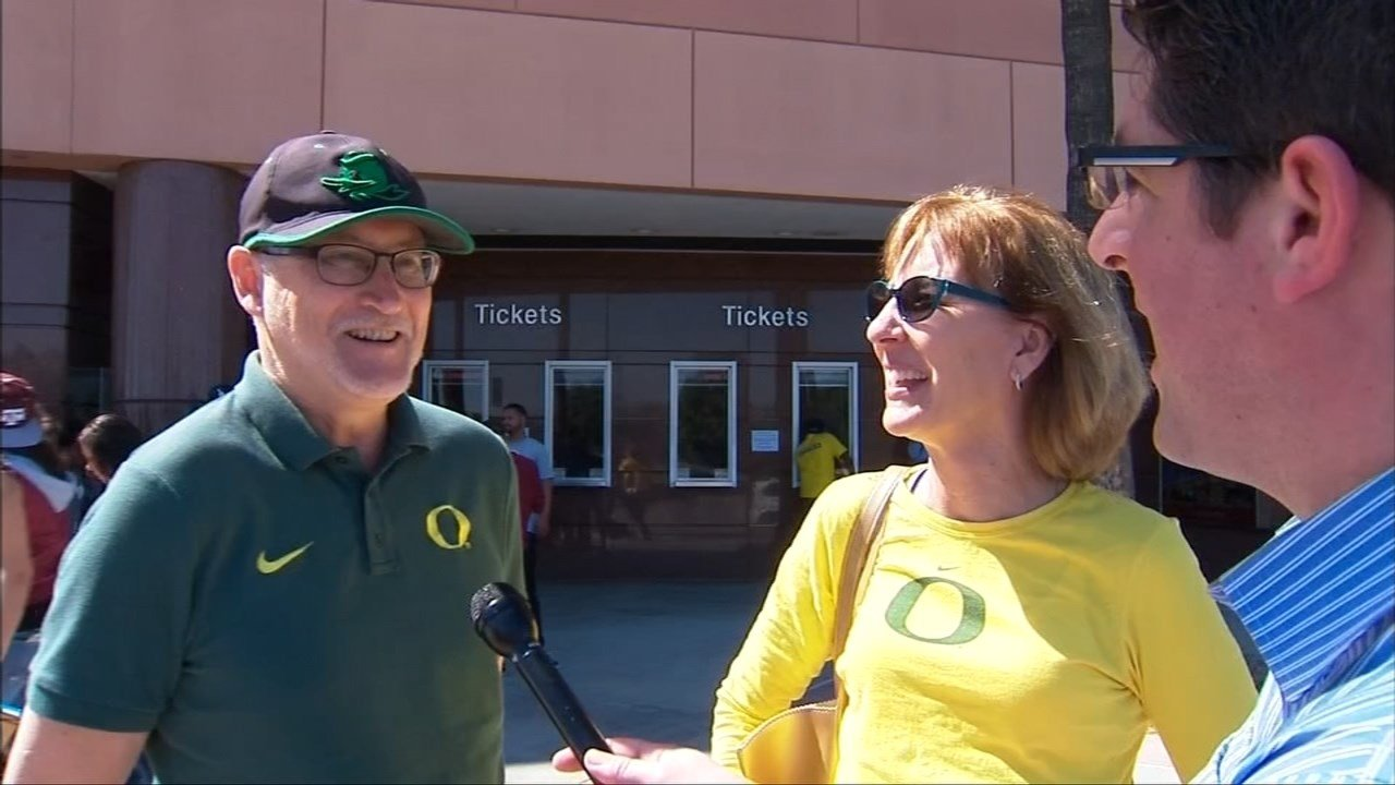Many Ducks fans made the 900 mile trip to Anaheim to see Oregon in the Sweet 16 of the NCAA tournament Thursday. (KPTV)