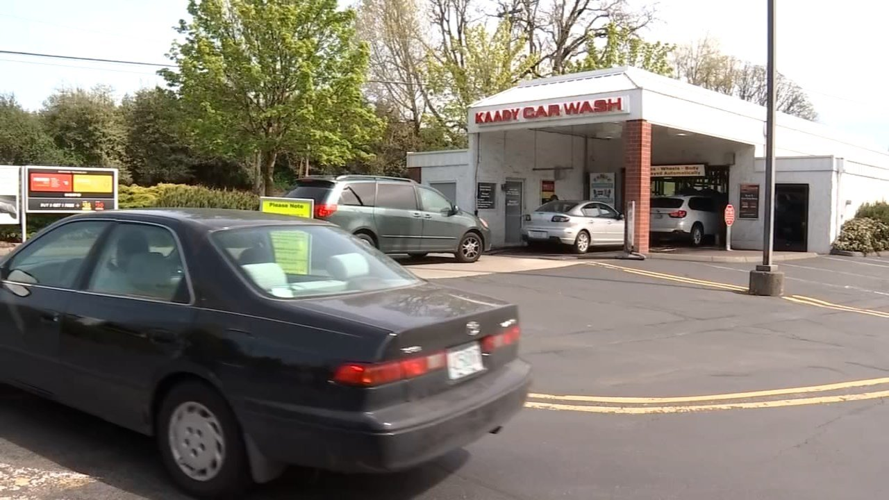Cars were lined up at Kaady Car Wash Wednesday afternoon as warm temperatures brought out customers. (KPTV)