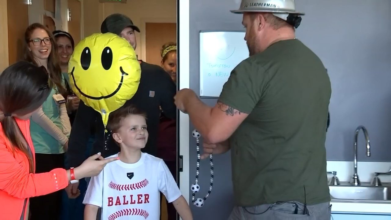 Timber Joey surprised a local boy who spent more than two weeks in the hospital. (Source: KPTV)