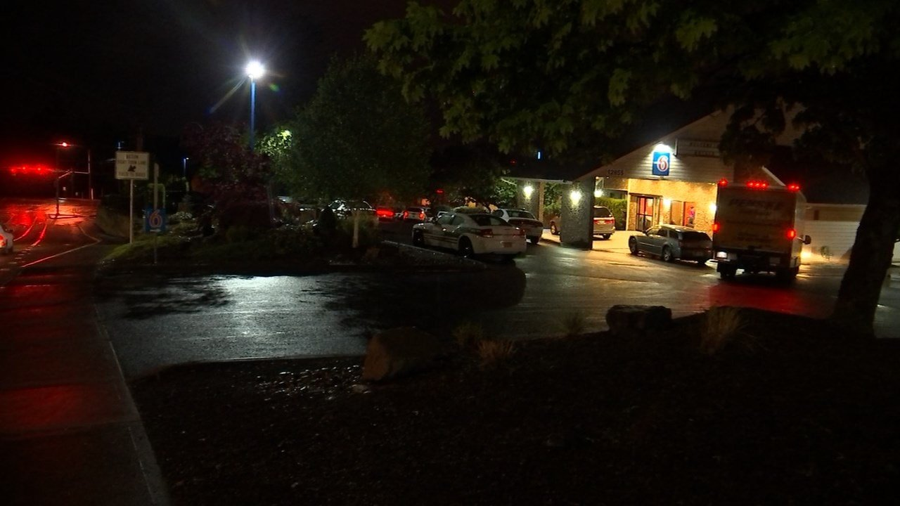 Motel 6 shooting scene in Clackamas on Tuesday night. (Source: KPTV)