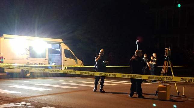 Viewer photo of crash scene near Northeast 82nd and Davis Street on Monday night. (Photo: Benjamin Kerensa)