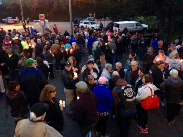 Friends and family gathered for a vigil in Depoe Bay. (KPTV)