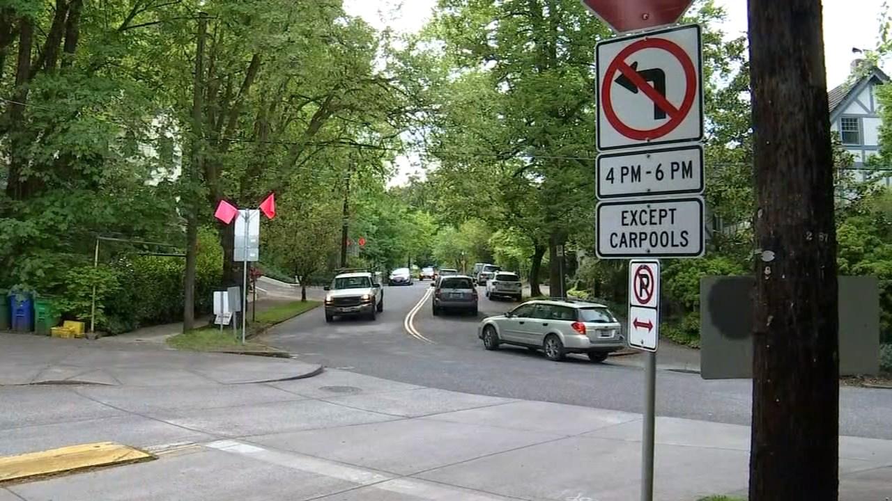 New carpool signs installed in northwest Portland (KPTV)