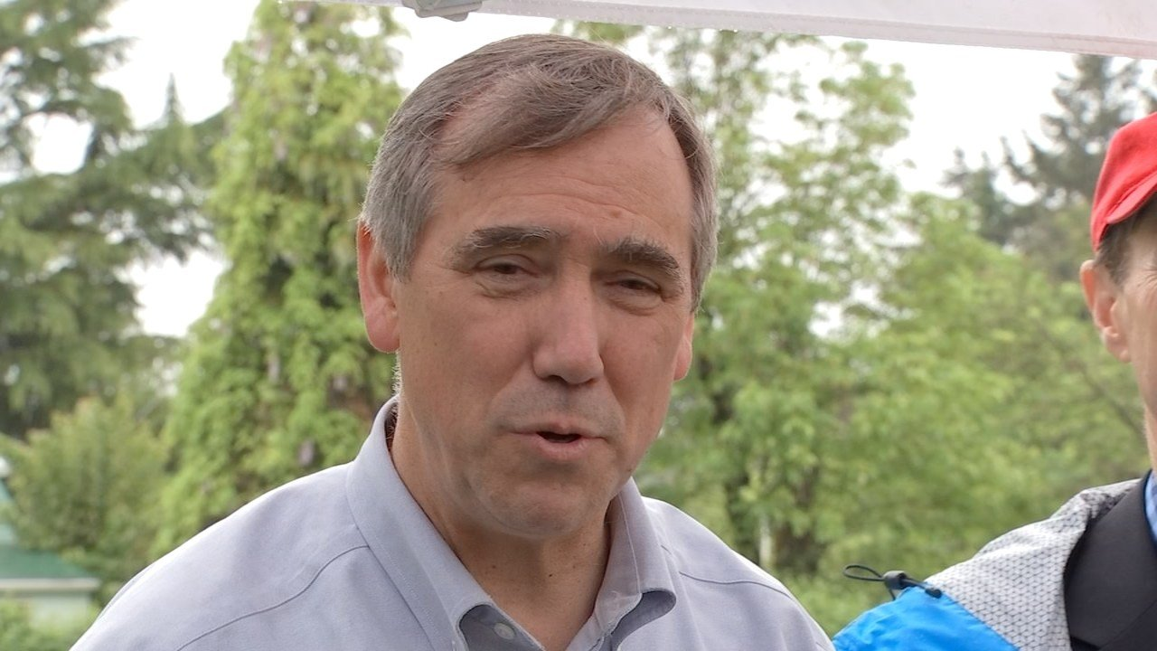 Senator Jeff Merkley (KPTV file image)