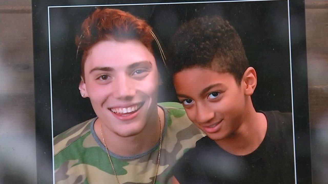 Brandon Wendell posing with younger brother (Family photo/KPTV)