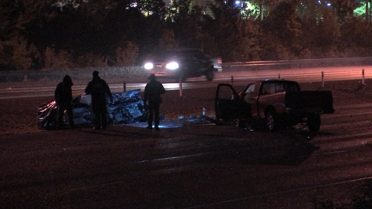 One person was killed and several others were hurt in a wrong-way crash along Highway 26 early Wednesday morning. (Source: KPTV)