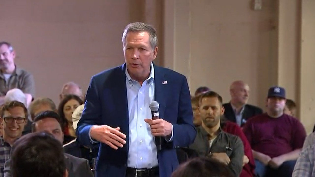 Gov. John Kasich answered several questions from a Portland town hall audience about small businesses, education and working with congress. (KPTV)