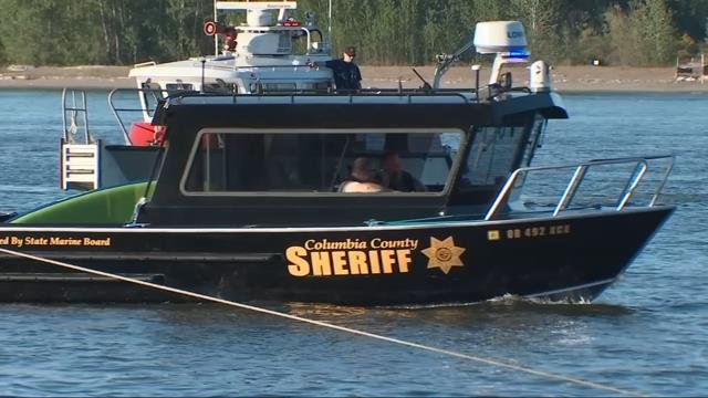 Crews search for woman who fell off paddleboard near Sauvie Island