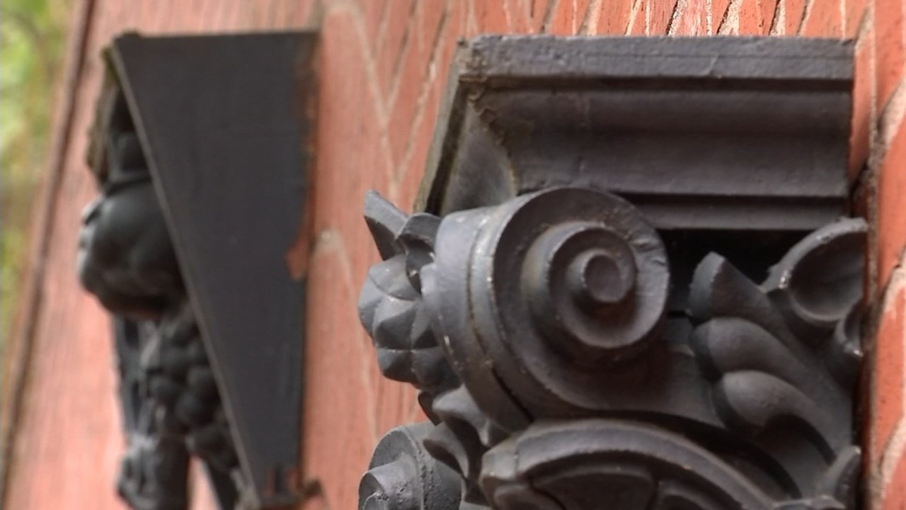 Two new plans approved by Portland's city council Wednesday will protect and preserve the cast-iron features seen around the historic Old Town neighborhood. (KPTV)