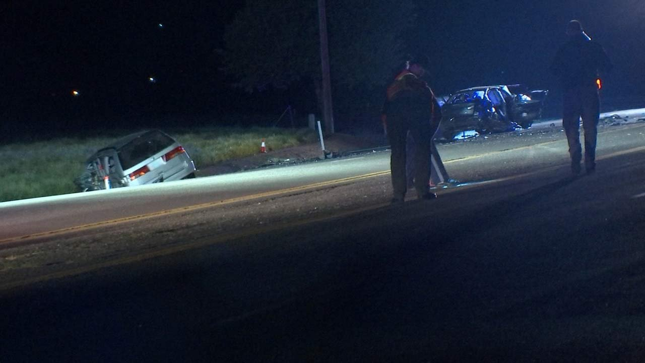 Deadly crash on Highway 99W near McMinnville. (Source: KPTV)