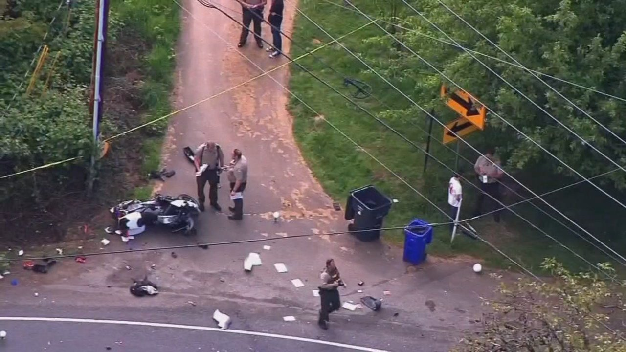 Crash scene in 2015 that seriously injured Clackamas County Deputy Robert Nashif (KPTV file image)