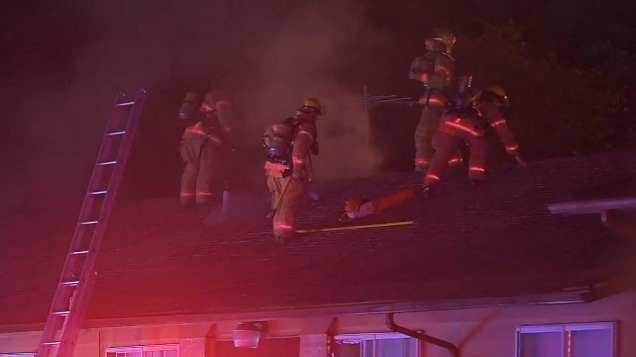 Southeast Portland apartment fire, September 2015 (KPTV file image)