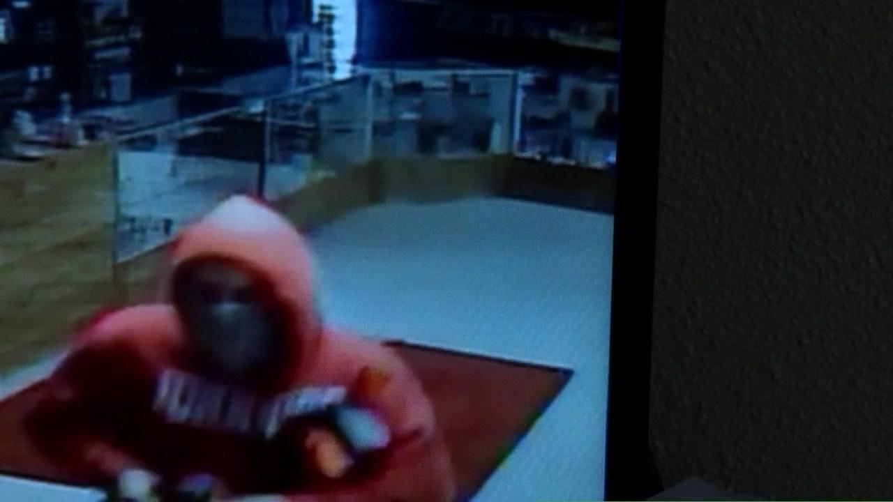 Surveillance image of Smoke N Stuff burglary suspect (KPTV)