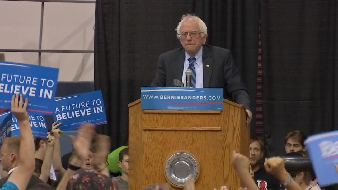 Bernie Sanders in Salem on Tuesday (KPTV)
