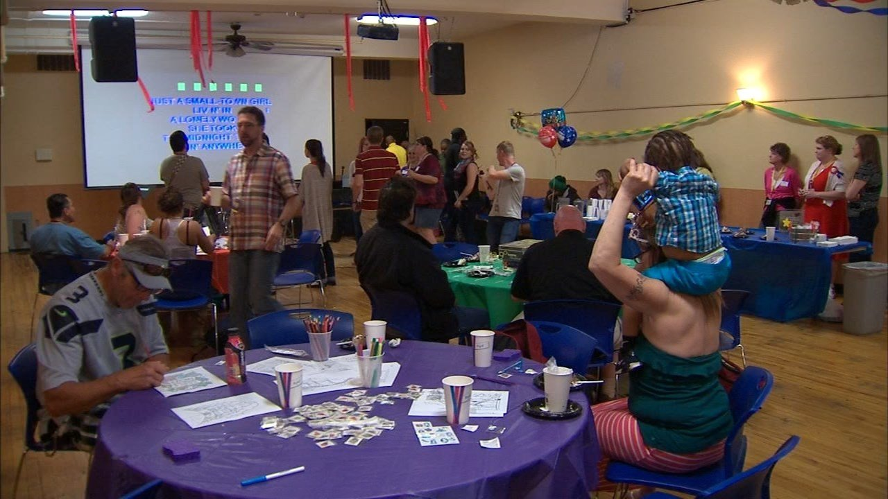 Portland Rescue Mission hosted a birthday party for the city's homeless at their Burnside shelter, including live music, food, games, and even a photo booth. (KPTV)