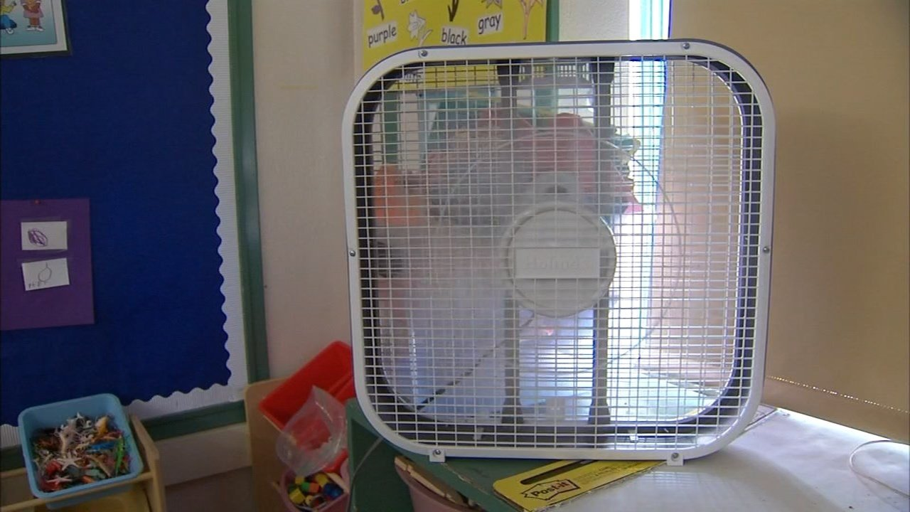 Teachers at Llewellyn Elementary in Sellwood are preparing for higher temperatures by adding fans and drawing shades in the non-air-conditioned classrooms. (KPTV)