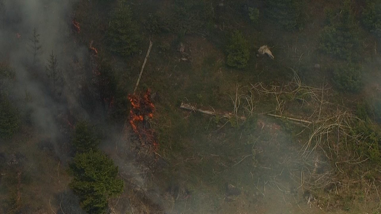 AIR 12 view of wildfire in Yamhill Co.