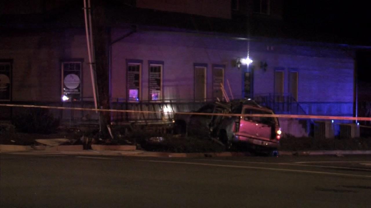 Deadly crash scene in Salem early Friday morning. (KPTV)