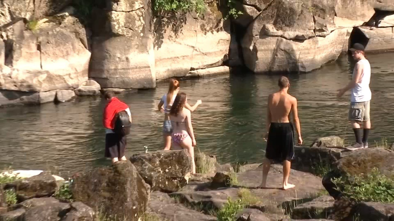 The warm weather Friday sent many people local swimming spots to cool off, but local deputies warn that the quick jump in temperature does not mean that swimmers are done with cold water. (KPTV)