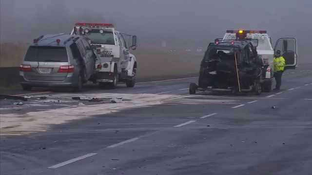 Two vehicles towed from the scene of a crash on I-205 in Vancouver in December 2014 (KPTV file image)