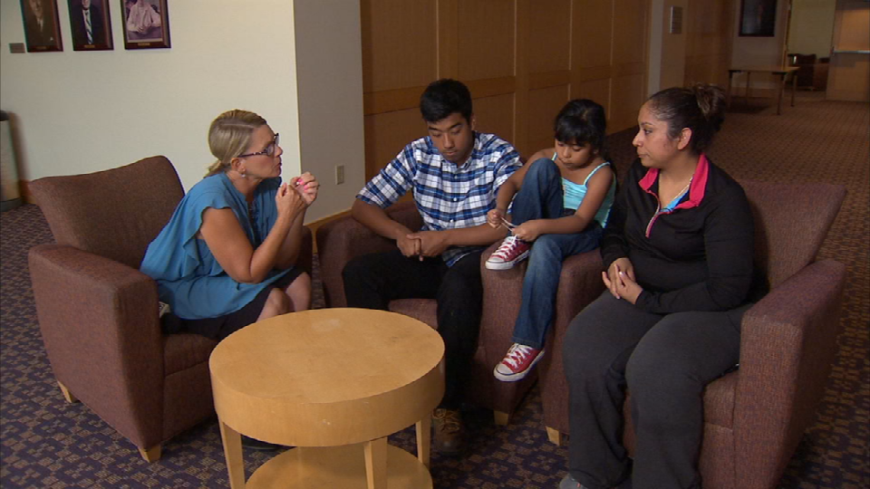 Fox 12 surprises Hernandez family (KPTV)