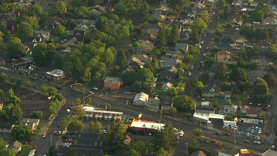 Air 12 over scene in southeast Portland (KPTV)