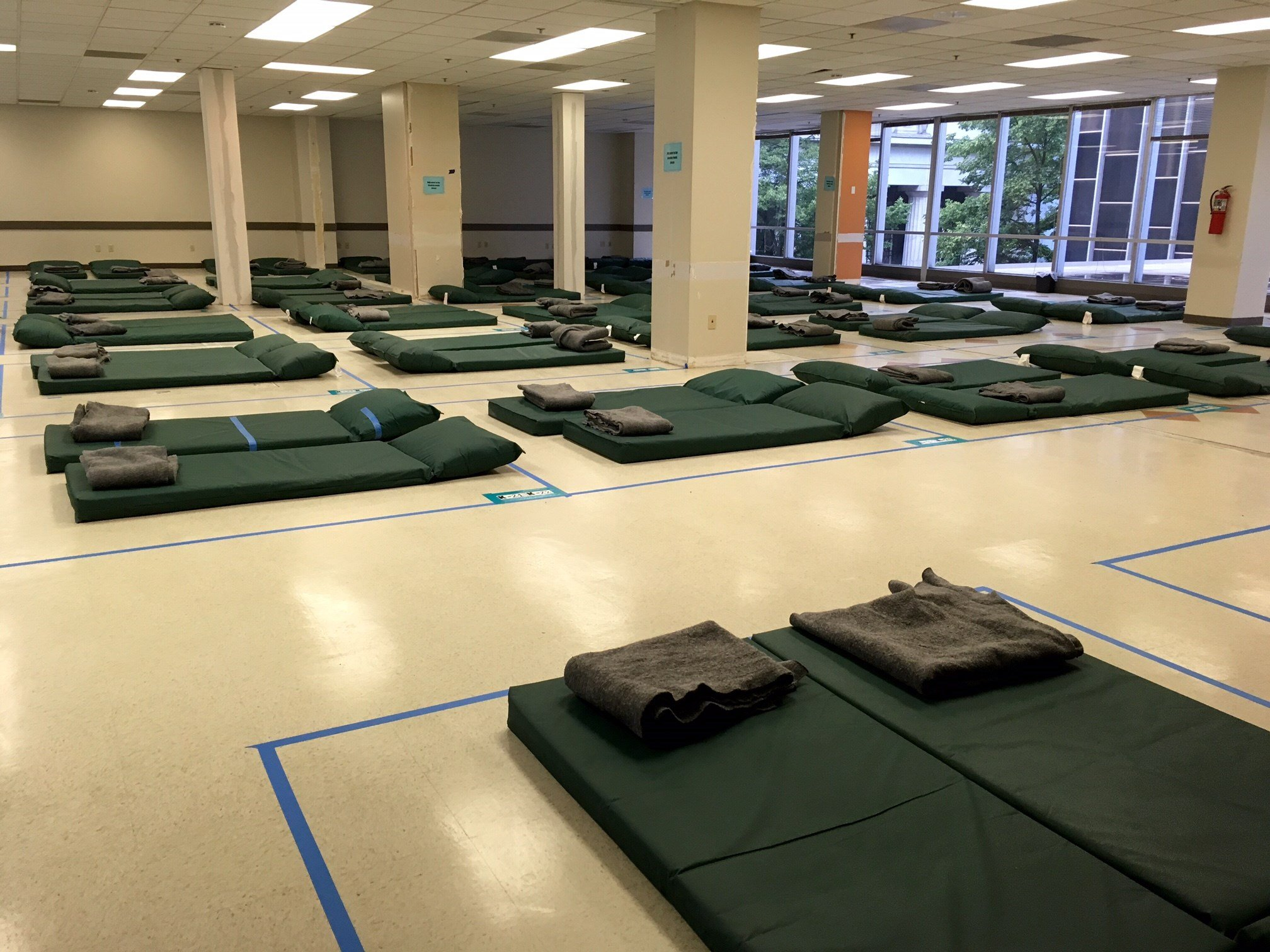 One of the rooms inside the Peace Annex shelter for women and couples. (KPTV)