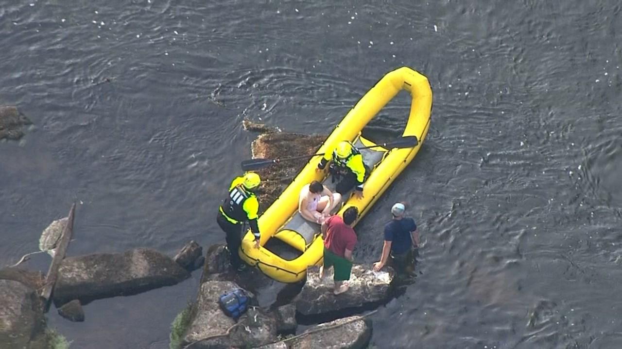 Water rescue near Fields Bridge Park in West Linn. (KPTV)