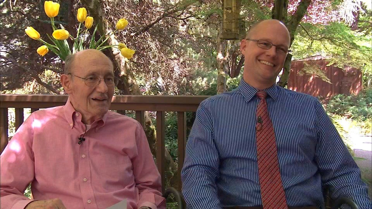 Barry Carlson and his son Tary (KPTV)