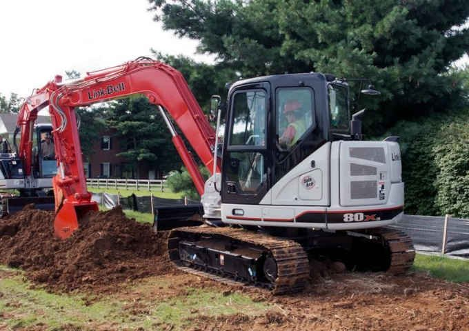 Similar model of the excavator stolen in Ridgefield (KPTV)