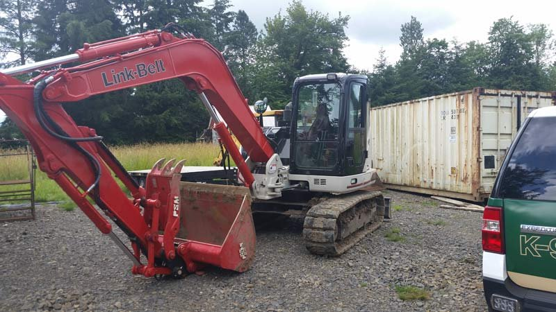 Stolen excavator (Photo: Cowlitz Co. Sheriff's Office)