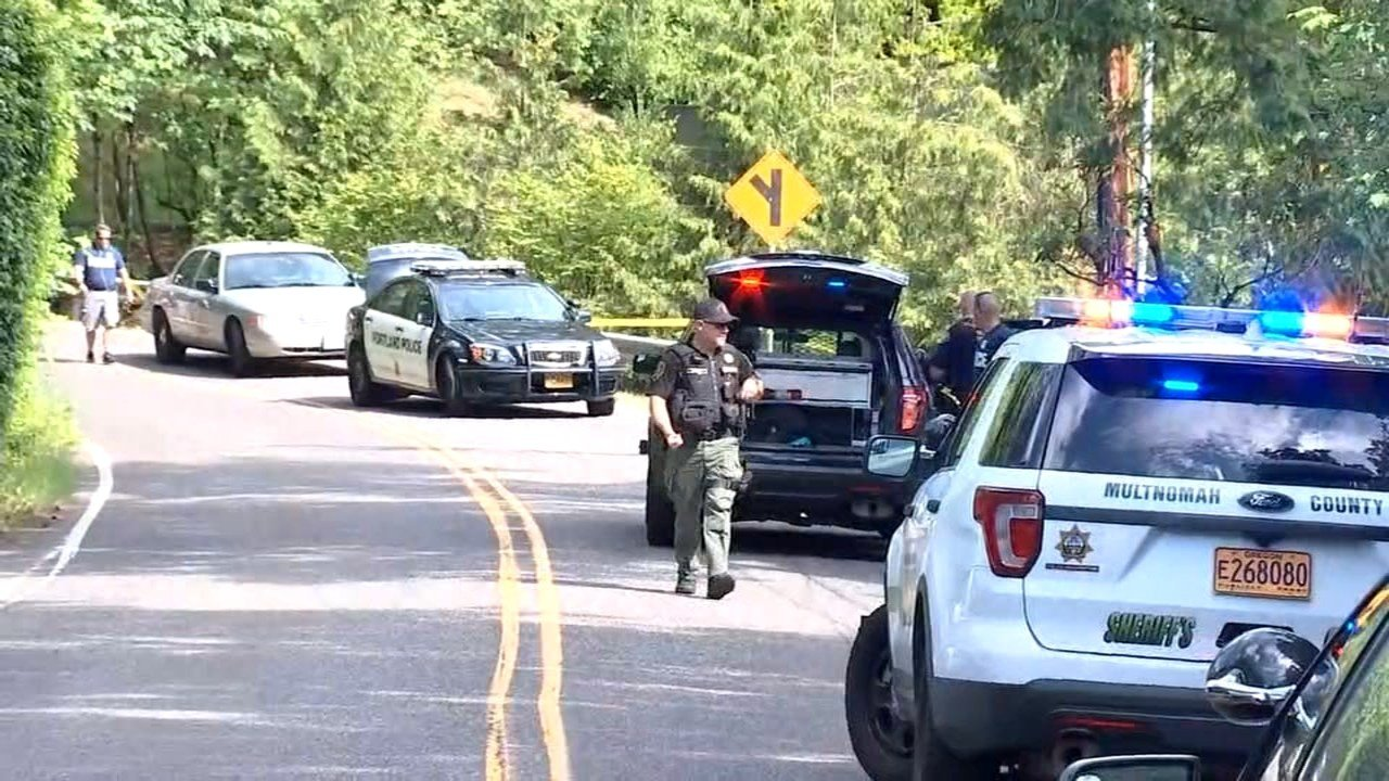 Scene where a burglary suspect was found shot and naked in southwest Portland on June 22. (Photo: KPTV)