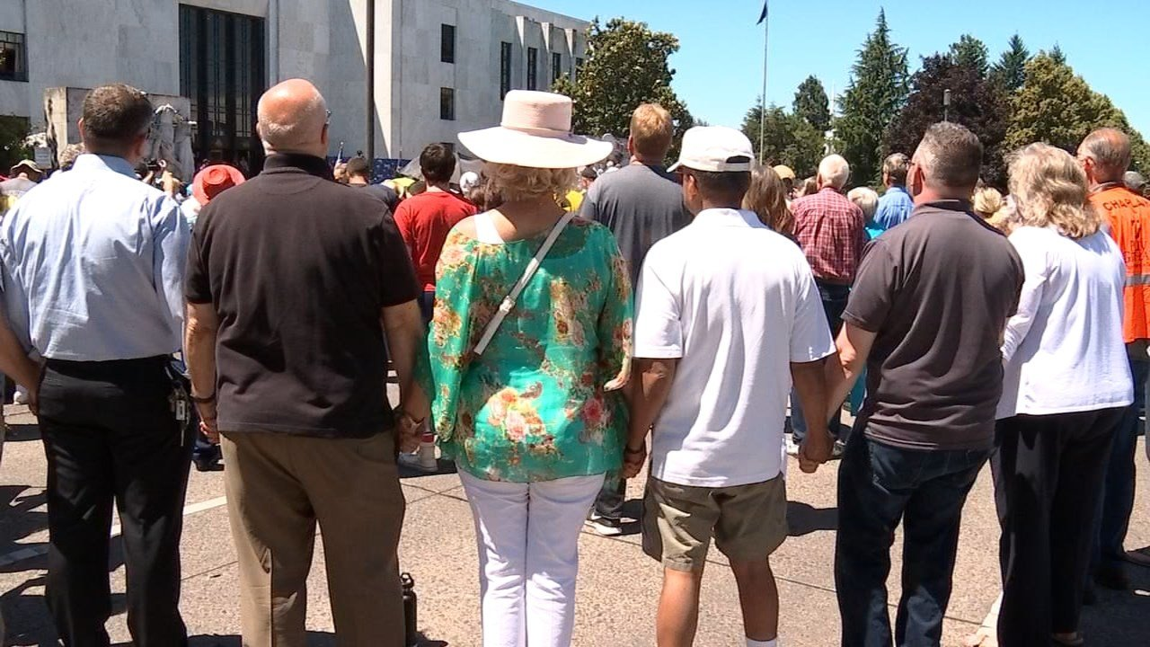 People attending a rally led by Franklin Graham in Salem on Tuesday. (Photo: KPTV)