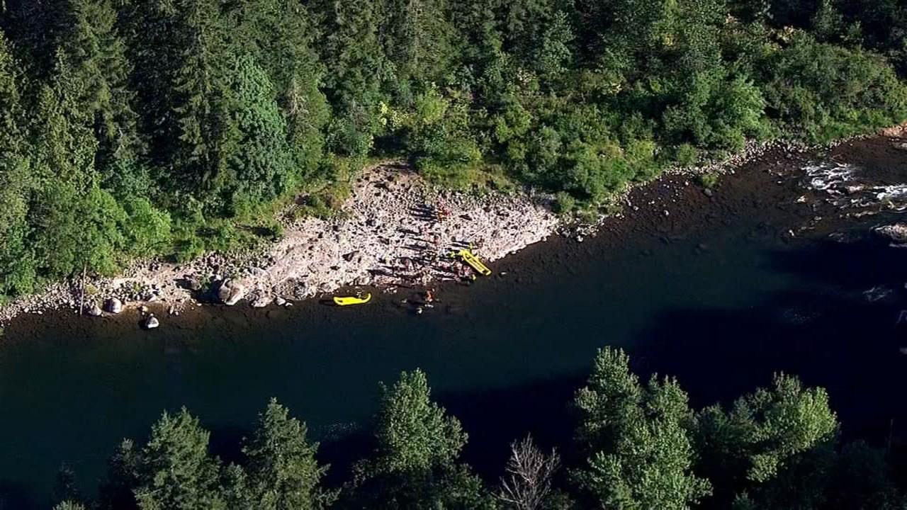 AIR 12 image of rescue crews at Milo McIver State Park (KPTV)