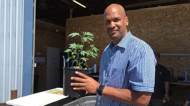 Former Blazers broadcaster Antonio Harvey at his new business venture, Terra Mater Farms. (Source: KPTV)