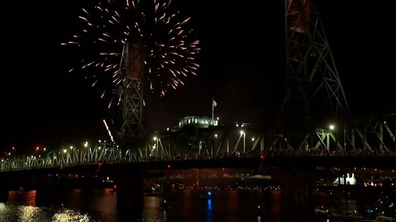 Fireworks for Waterfront Blues Festival 2016 (Source: KPTV)