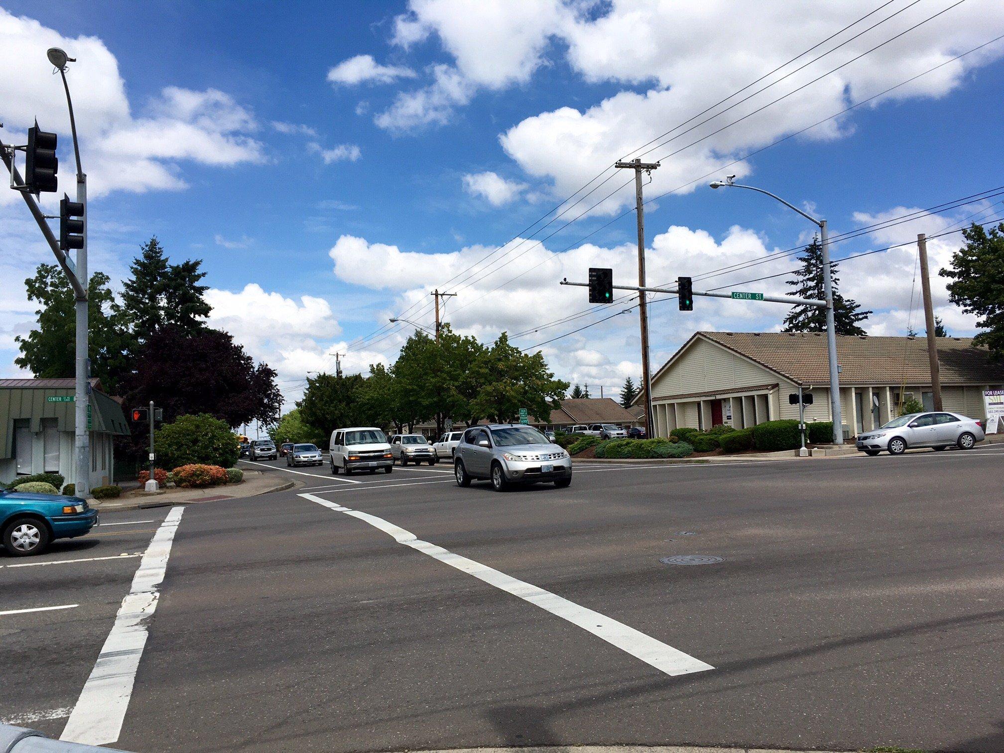 The intersection of NE Center & NE Hawthorne in Salem. (Source: KPTV)