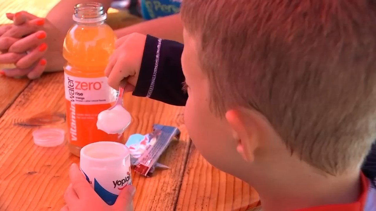 The Lentz family in Hillsboro keep a strict diet plan and schedule for Austin, 7, due to a genetic disorder that makes the boy constantly feel like he is starving. (KPTV)