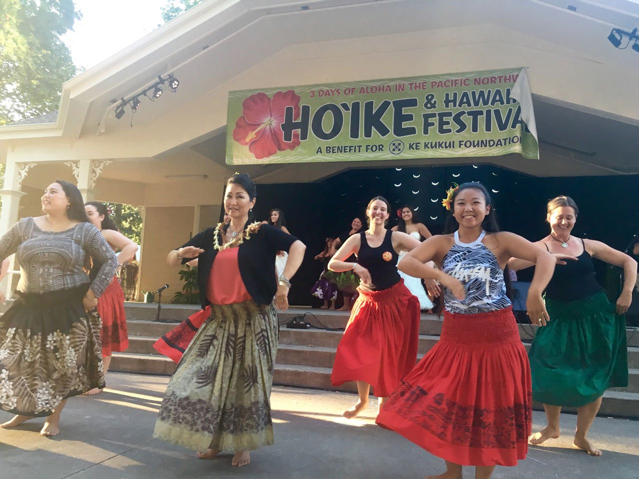 The high temperatures Friday helped the Hawaiian Festival in Vancouver have an extra island touch. (KPTV)