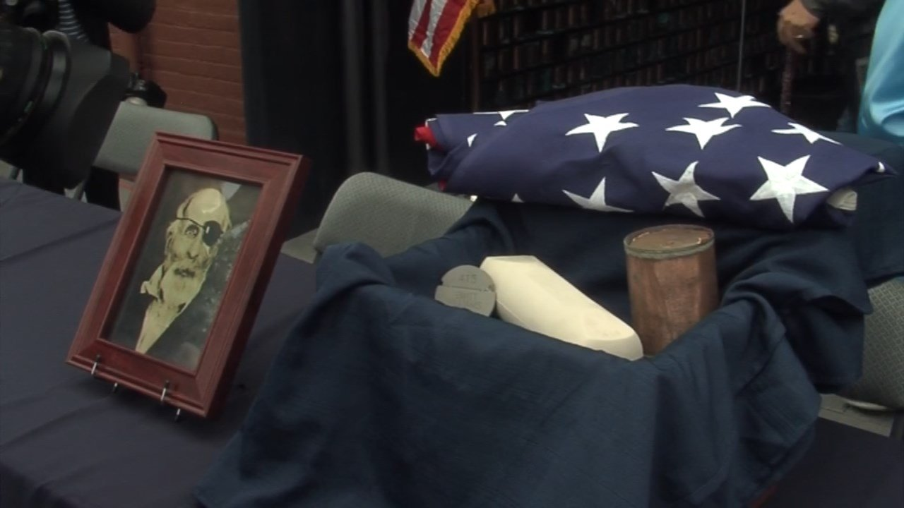 The ashes of Jewett Williams, who served in the 20th Maine Regiment in the Civil War, are taking a cross-country road trip with the Patriot Guard Riders from Oregon to his home state of Maine. (KPTV)