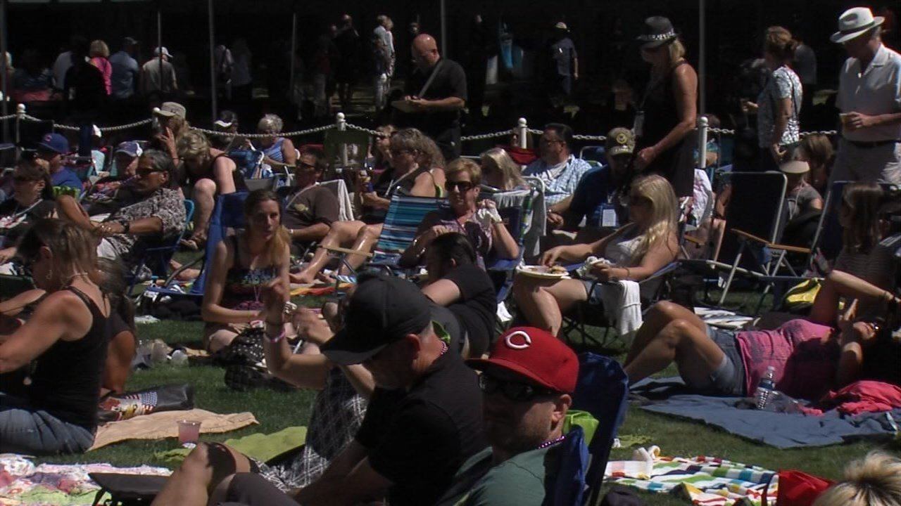 Crowds at the concert (KPTV)