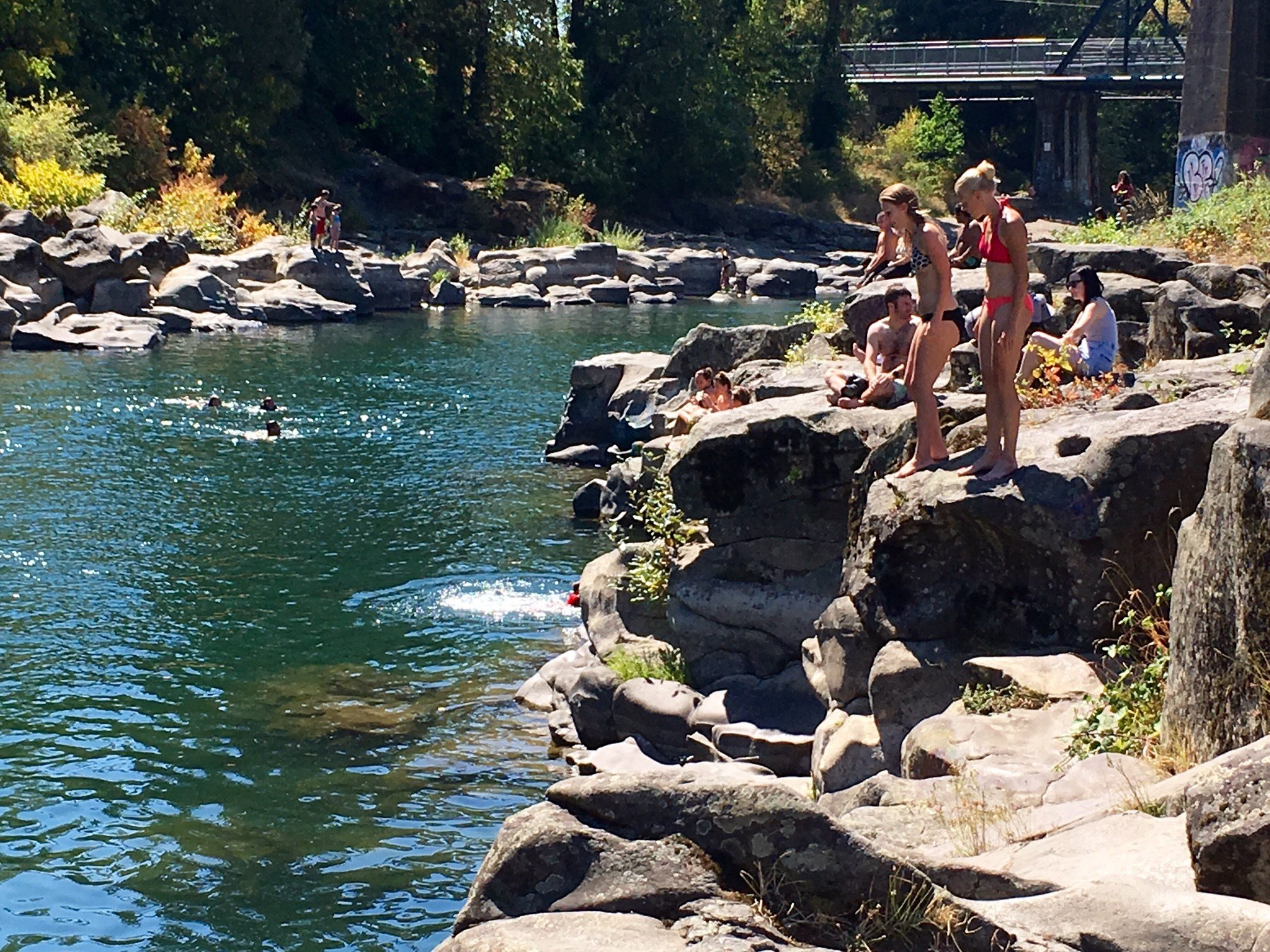 People at High Rocks in Gladstone Thursday. (KPTV)
