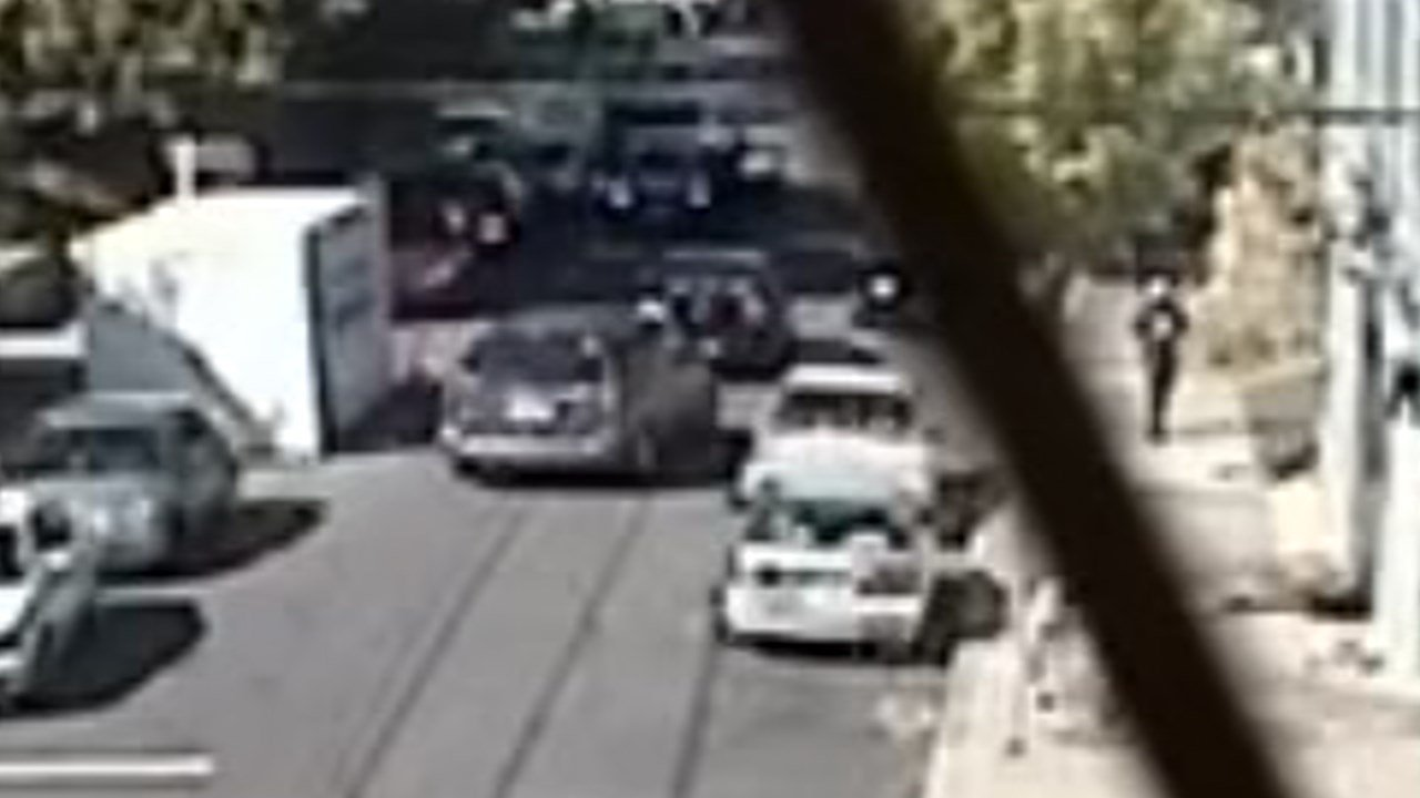 Image from the surveillance video of the vehicles involved in the shooting on Aug. 18. (Photo: Portland Police Bureau)